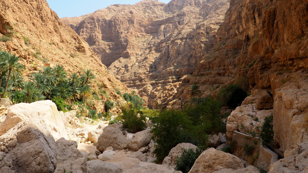 Blick auf das Wadi Shab im Oman
