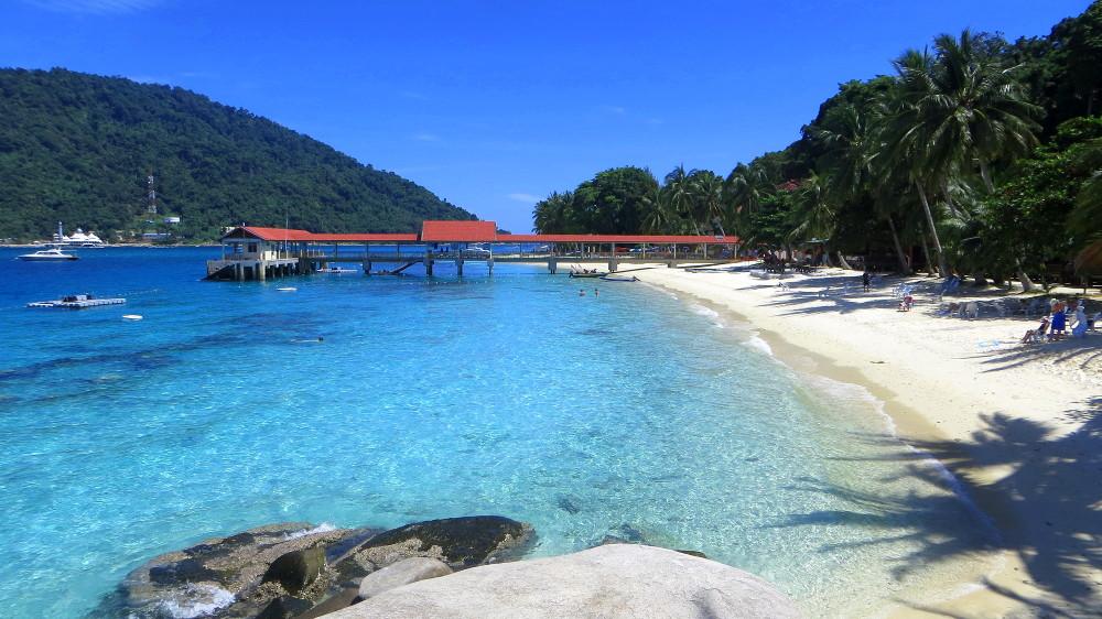 Blick auf den Strabd der Tuna Bay auf den Perhentian Islands