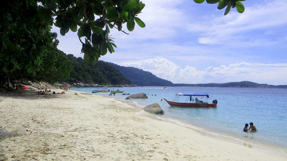 Blick auf den Turtle beach auf den Perhentian Islands