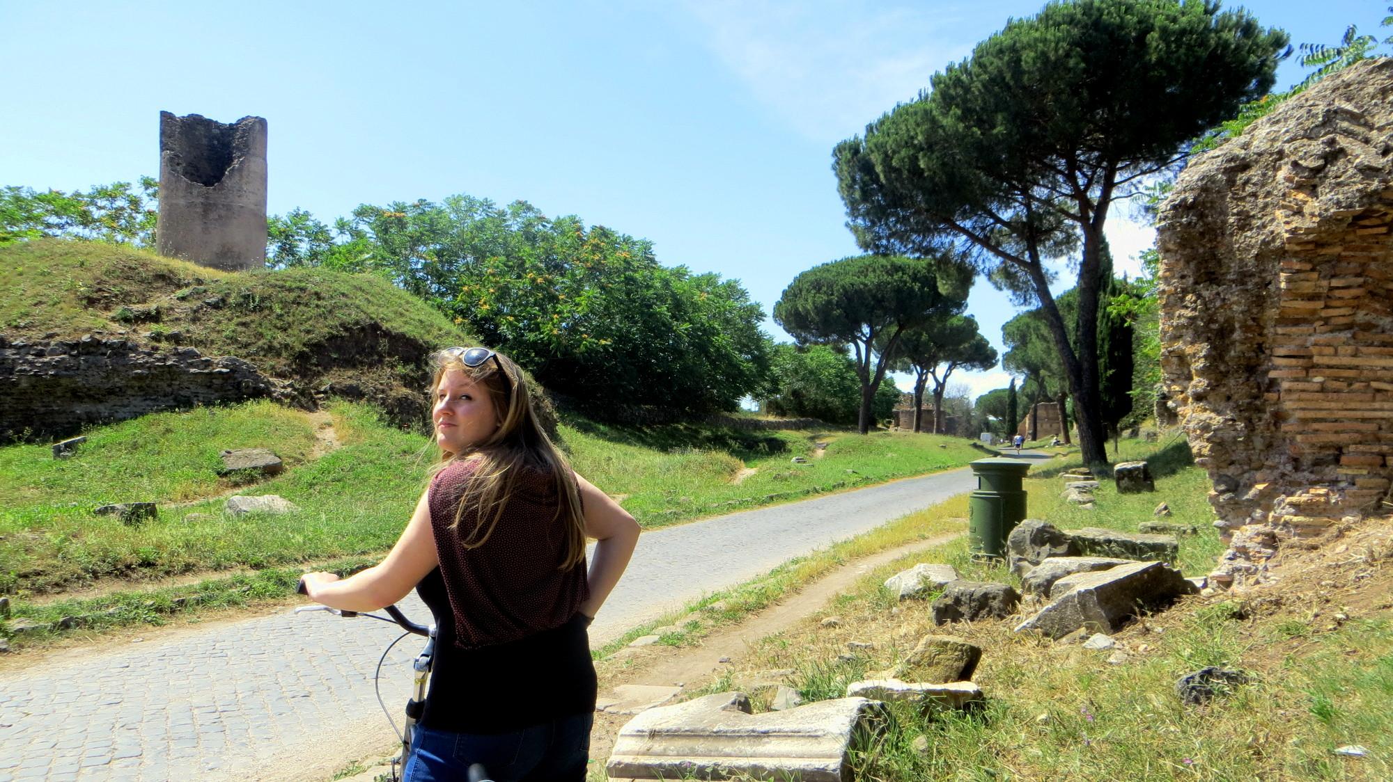 Kathi Hofmann auf der Via Appia Antica in Rom