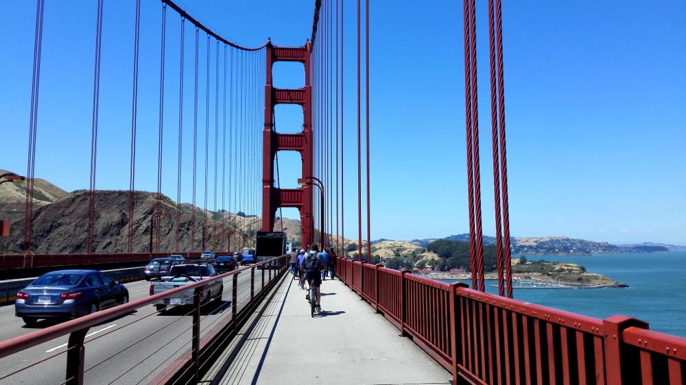 Fahrradfahrer auf der Goldne Gate Bridge