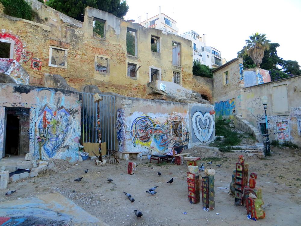 Graffitiruine in Alfama