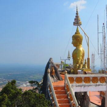 Blick auf den Tiger Cave Tempel in Krabi
