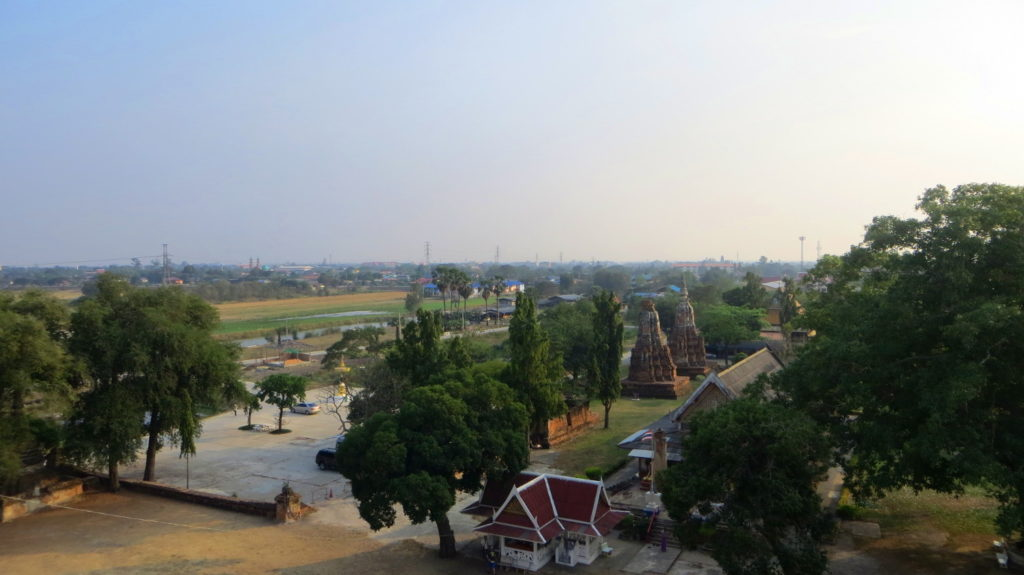 Blick vom View from Wat Phu Khao Thong in Ayutthaya