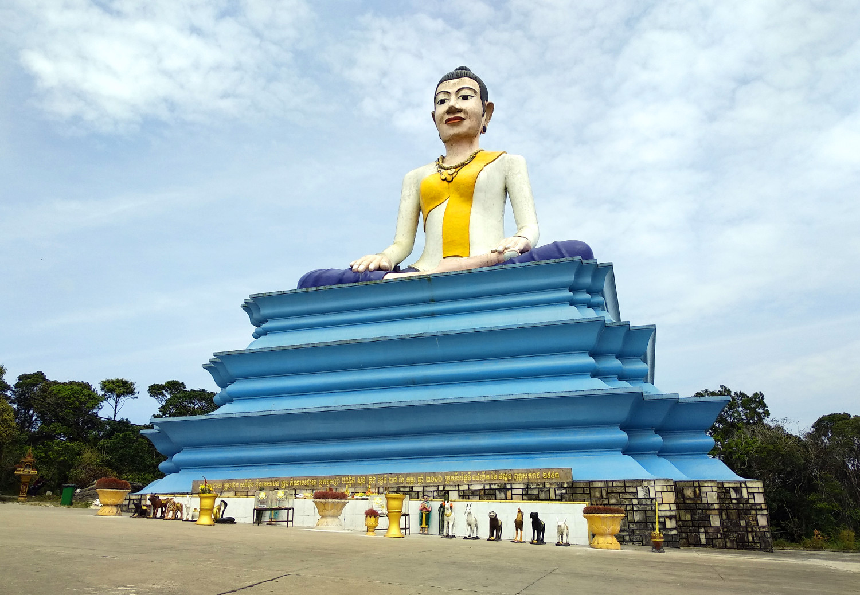 Buddhastatue auf dem Bokor Hill