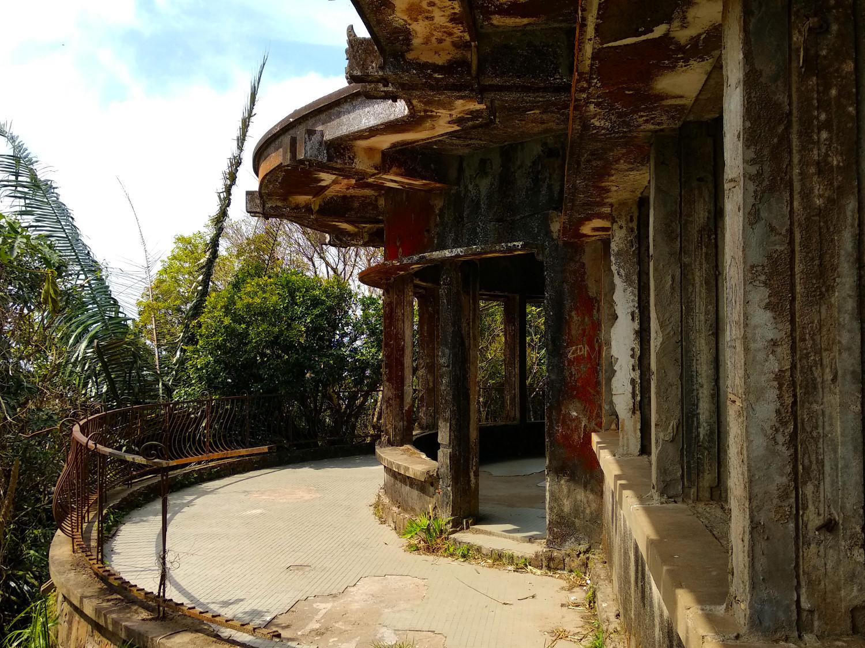 Verlassene Sommerresidenz auf dem Bokor Hill