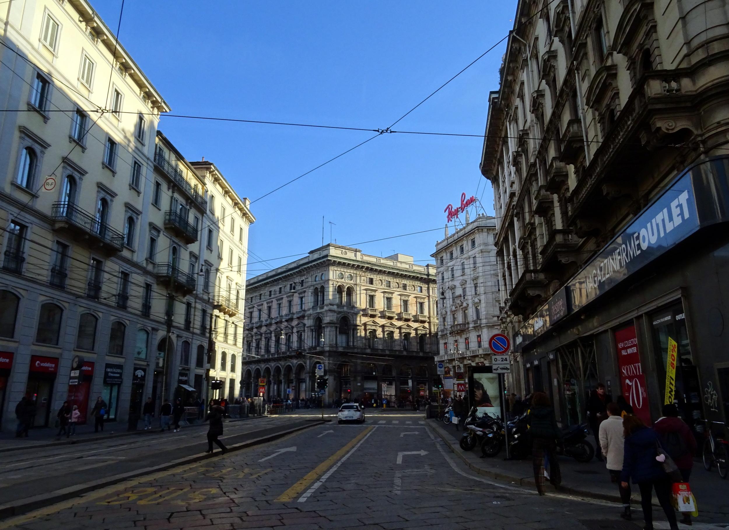Eine Straße in der Innenstadt von Mailand