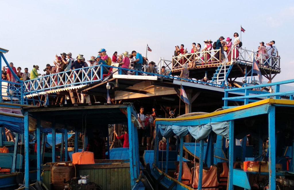 Menschenmassen am Tonle Sap