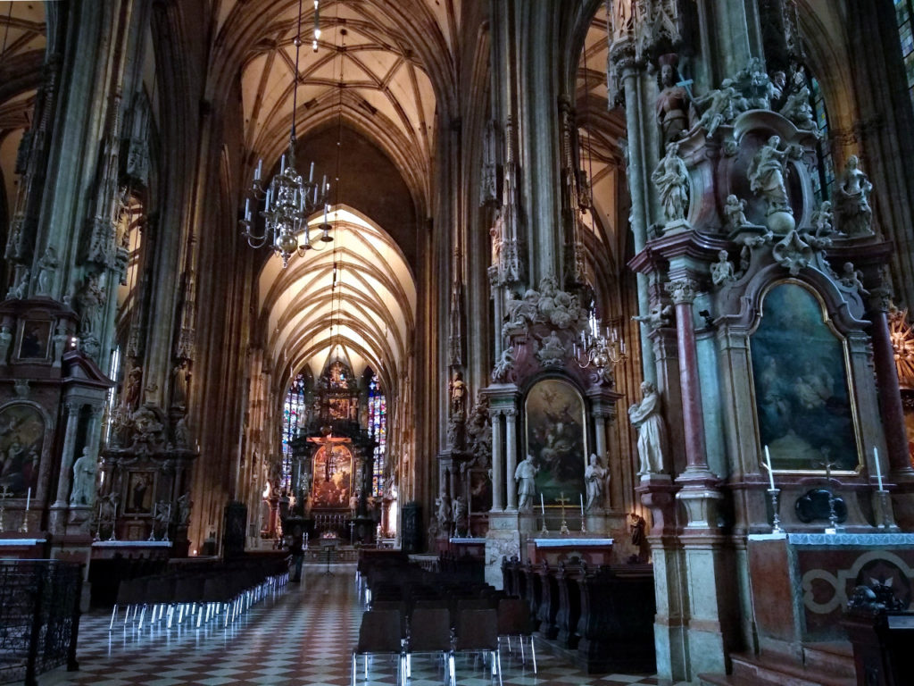 Der Stephansdom von innen