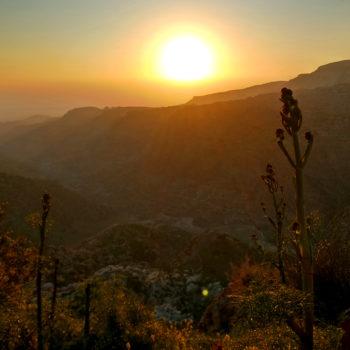 Sonnenuntergang über dem Wadi Dana